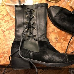 Antelope Black suede and leather boots size 6